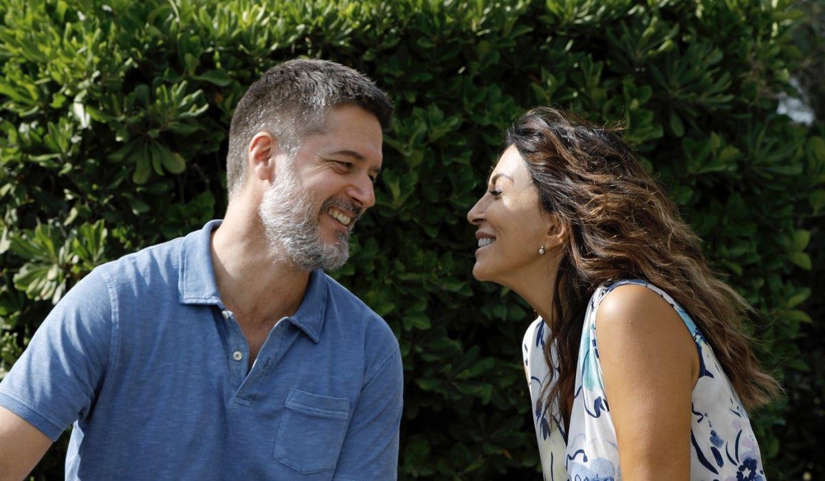 Svegliati Amore Mio, nella foto, da sinistra: Ettore Bassi (Sergio Santoro) e Sabrina Ferilli (Nanà Santoro). Credits Mediaset