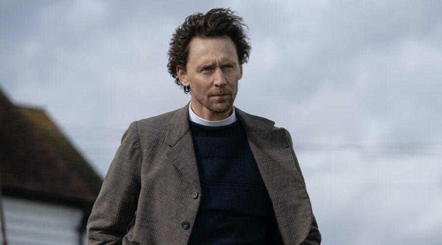 Tom Hiddleston in The Essex Serpent. Credits: Apple TV+.