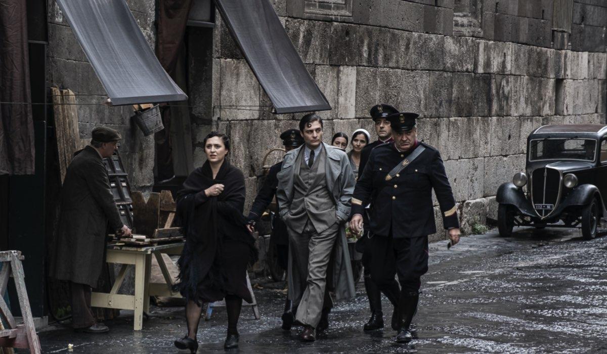 Una Scena Della Quinta Puntata De Il Commissario Ricciardi Con Antonio Milo E Lino Guanciale Credits Anna Camerlingo E Rai