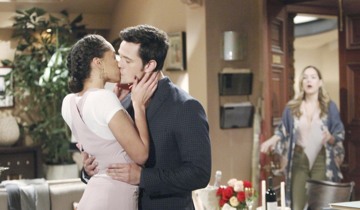 Zoe e Thomas si baciano in Beautiful Credits: BBL Distribution/Mediaset