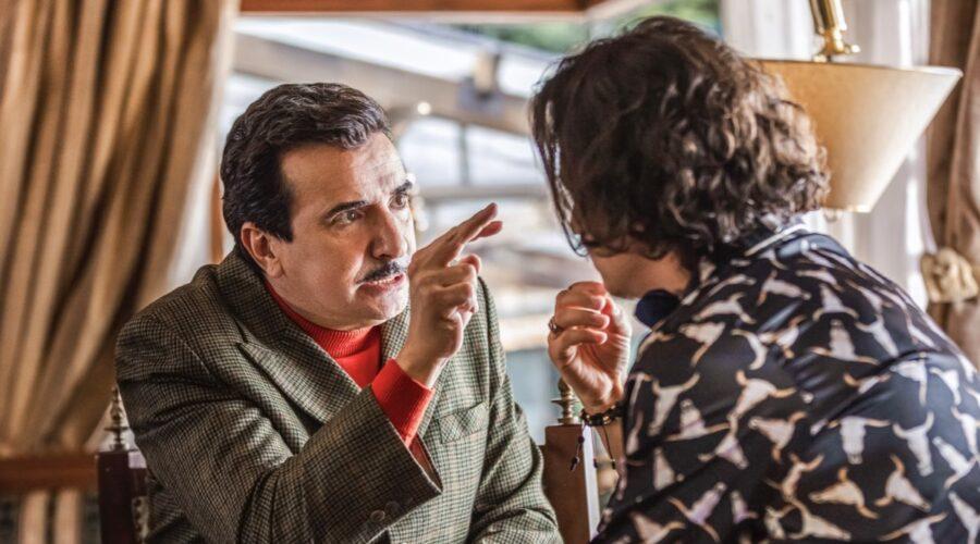 Antonio Sanint (Juan) e Biassini Segura (El Nato) Ne I Ciarlatani Credits: Mauro Gonzalez/Netflix
