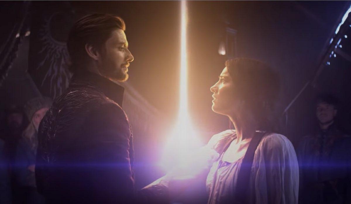 Ben Barnes e Jessie Mei Li in Tenebre e Ossa. Credits: Netflix.