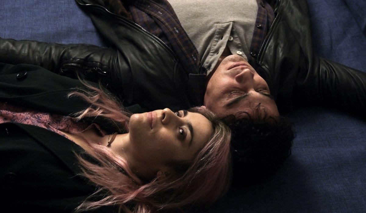 Chiamami ancora amore, Greta Scarano interpreta Anna e Simone Liberati interpreta Enrico, qui in una scena da giovani. Credits: Fabrizio De Blasio e Rai
