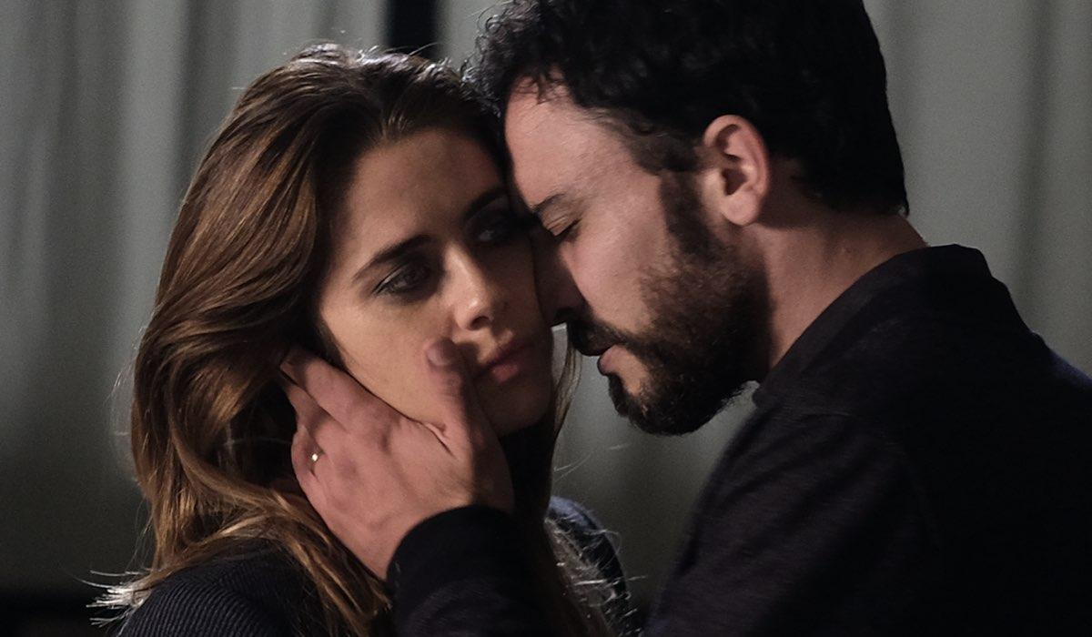 Chiamami ancora amore, Greta Scarano interpreta Anna e Simone Liberati interpreta Enrico. Credits: Fabrizio De Blasio e Rai