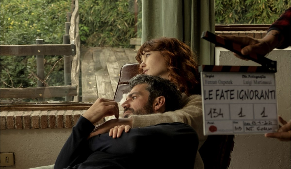 Da sinistra: Luca Argentero e Cristiana Capotondi in una scena della serie. Credits: Romolo Eucalitto.