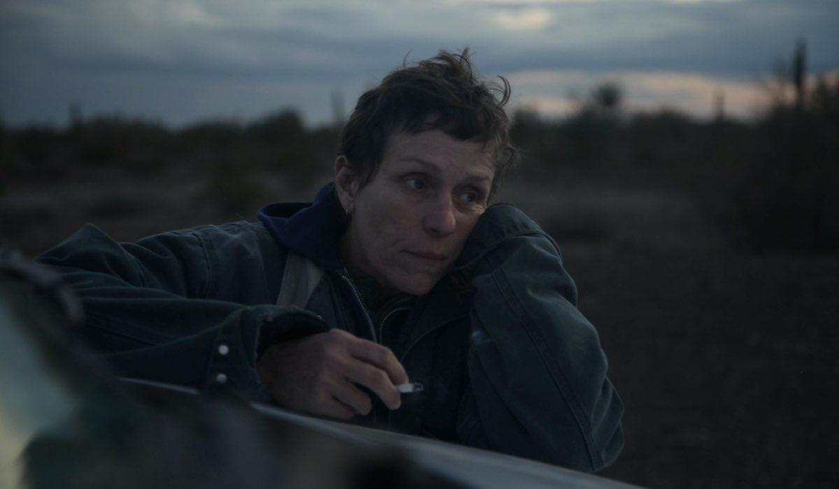 "Fern (Frances McDormand) in una scena di ""Nomadland"", dal 30 aprile in streaming su Star di Disney+."