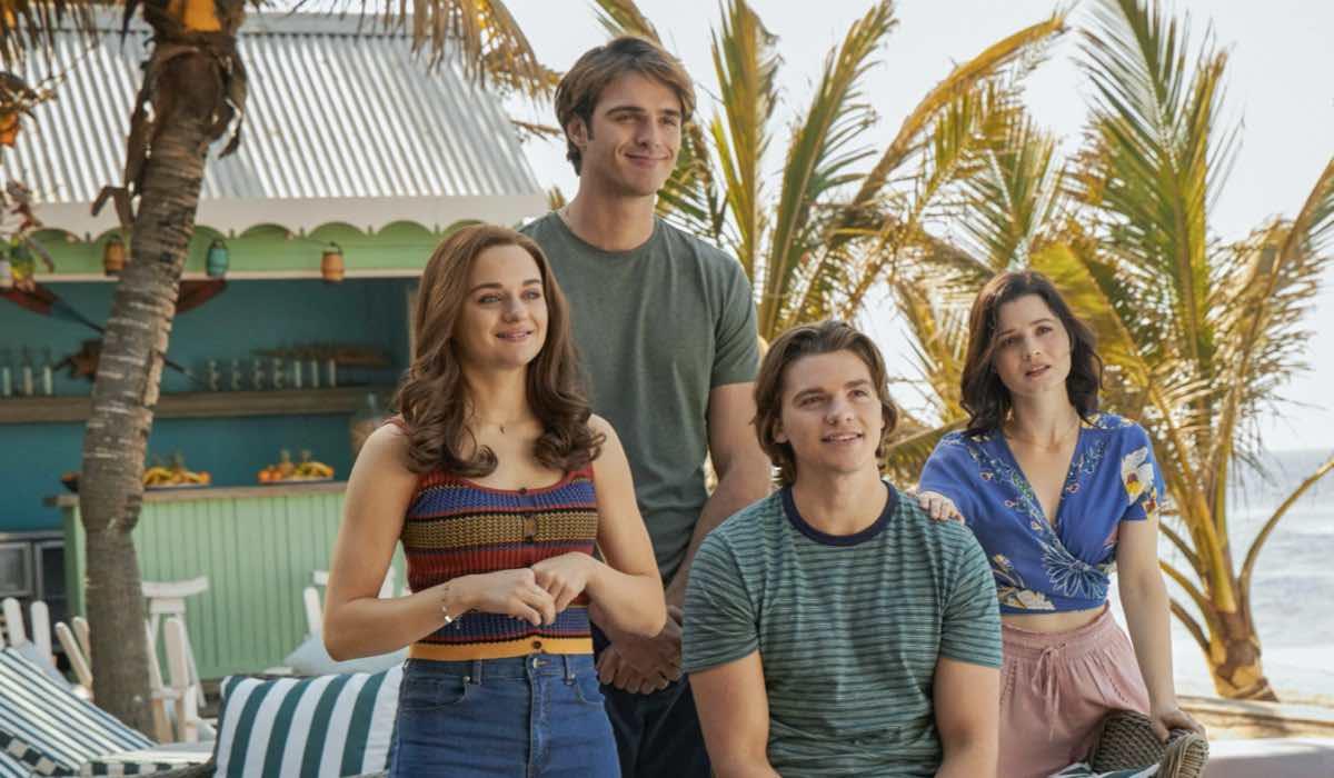 Joey King (Shelly 'Elle' Evans), Jacob Elordi (Noah Flynn), Meganne Young (Rachel) e Joel Courtney (Lee Flynn) in The Kissing Booth 3. Credits: Marcos Cruz/Netflix © 2021
