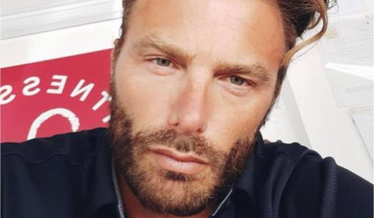L'attore Simon Grechi (Pietro Abbate) In Un Post Condiviso Sul Suo Profilo Instagram