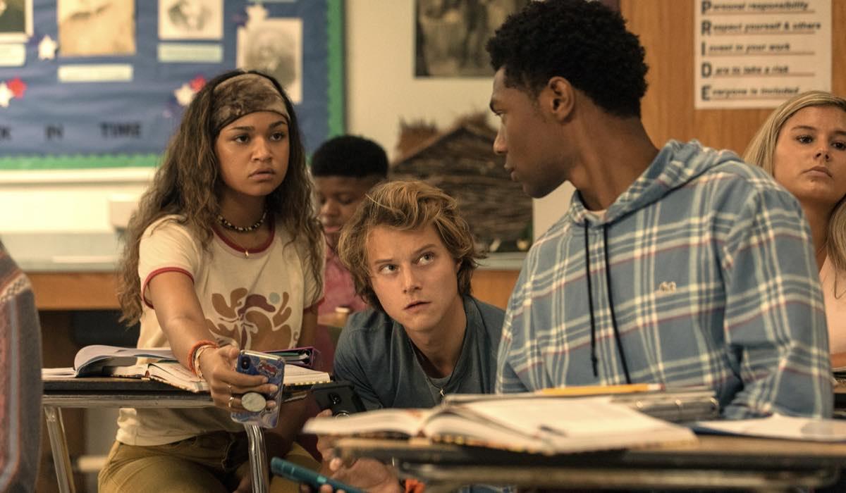 Madison Bailey, Rudy Pankow E Jonathan Daviss In Outer Banks 2x01. Credits: Jackson Lee Davis/Netflix © 2021