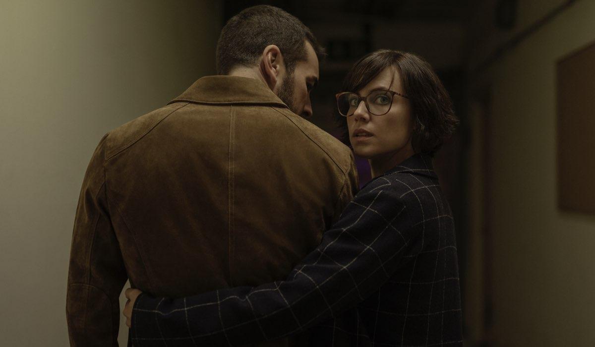 Mario Casas e Aura Garrido in Suburbia Killer. Credits: Quim Vives/Netflix.