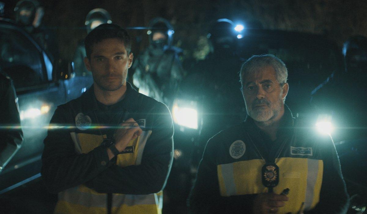 """Michel Noher e Carlos Blanco in una scena di """"La Unidad"""". Credits: Movistar/Rai 4."""