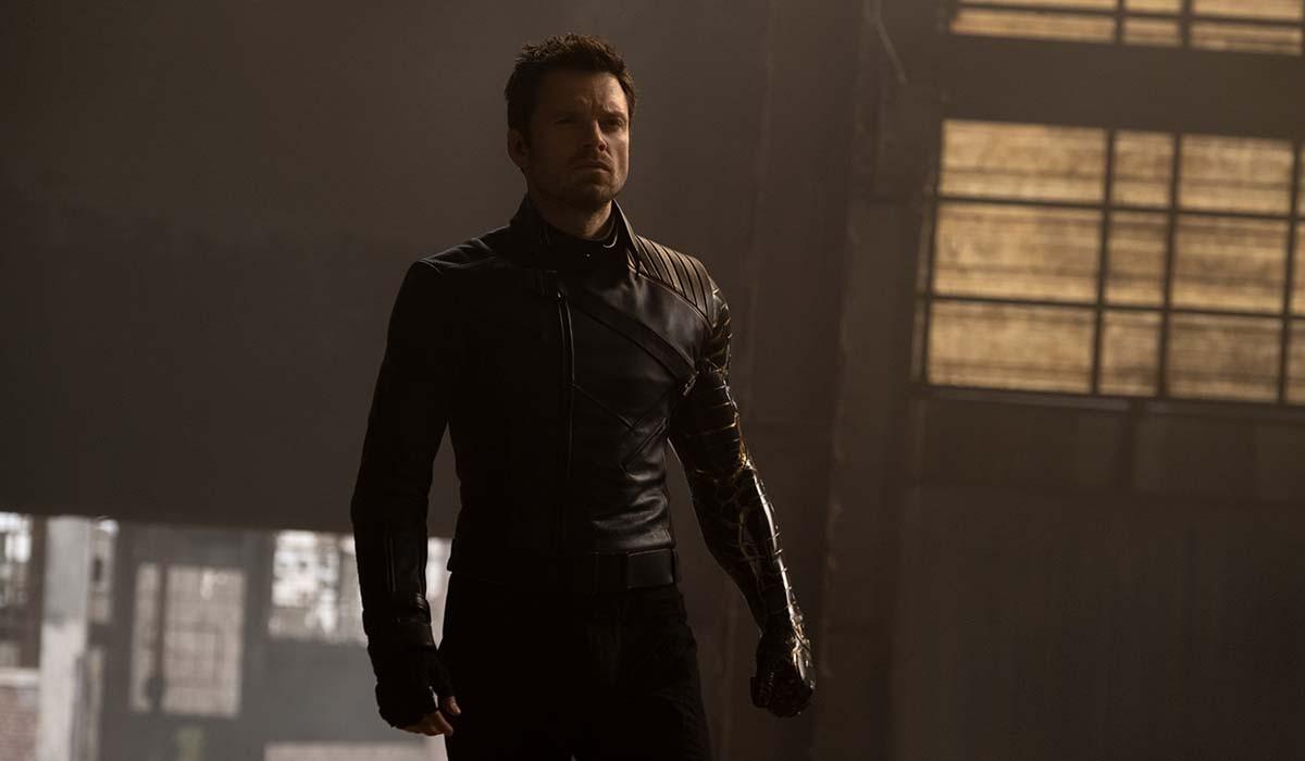 Sebastian Stan nella serie televisiva The Falcon and the Winter Soldier. Credits: Disney e Marvel Studios.