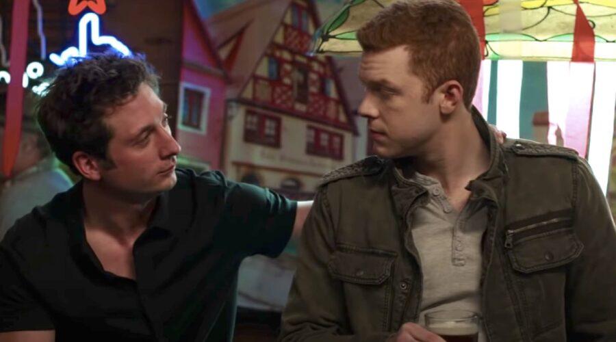 Lip (Jeremy Allen White) e Ian (Cameron Monaghan) nell'episodio finale di Shameless. Credits: YouTube/Showtime/Warner Bros. TV.