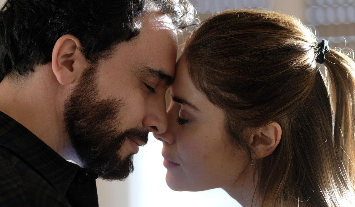 Simone Liberati (Enrico) e Greta Scarano (Anna) in Chiamami ancora amore Credits: Fabrizio De Blasio e Rai