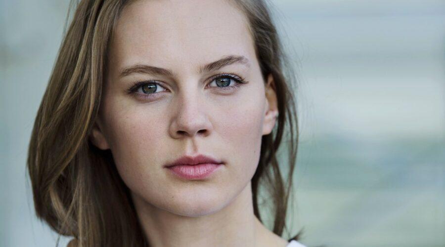 Alicia Von Rittberg (Elisabetta I) In Becoming Elizabeth. Credits: Starzplay
