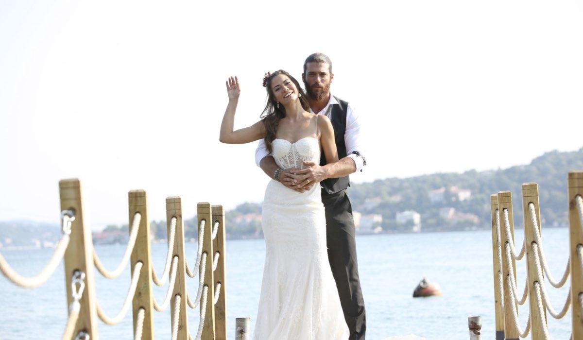 Sanem e Can sposati In Daydreamer Credits: Global Telif Haklari Yapimcilik Tic. A.s.