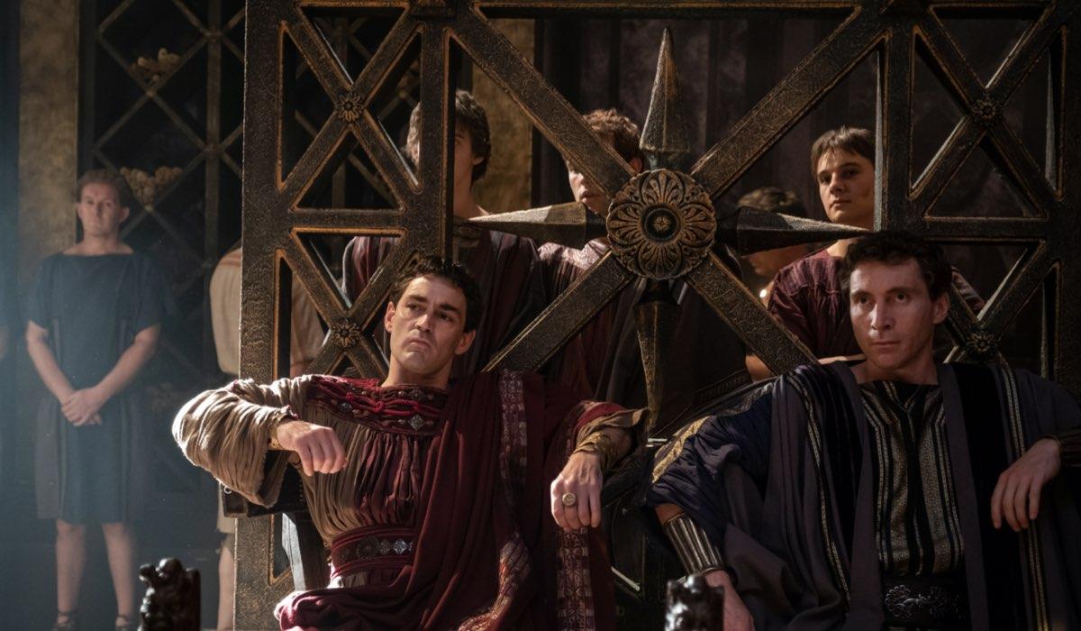 Da sinistra: Gaio Ottaviano (Matthew McNulty) e Agrippa (Ben Batt) in una scena del settimo episodio. Credits: Sky.
