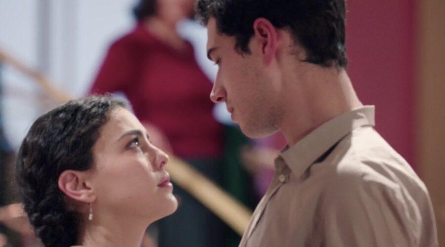 Il Paradiso Delle Signore 5 Puntata 139: Maria Puglisi interpretata da Chiara Russo e Rocco Amato interpretato da Giancarlo Commare. Credits: Rai