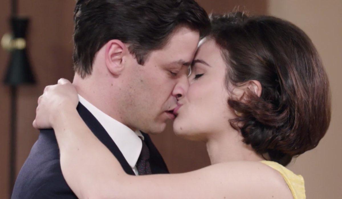 Il Paradiso Delle Signore 5, puntata 160: Cosimo Bergamini interpretato da Alessandro Cosentini e Gabriella Rossi interpretata da Ilaria Rossi. Credits: Rai