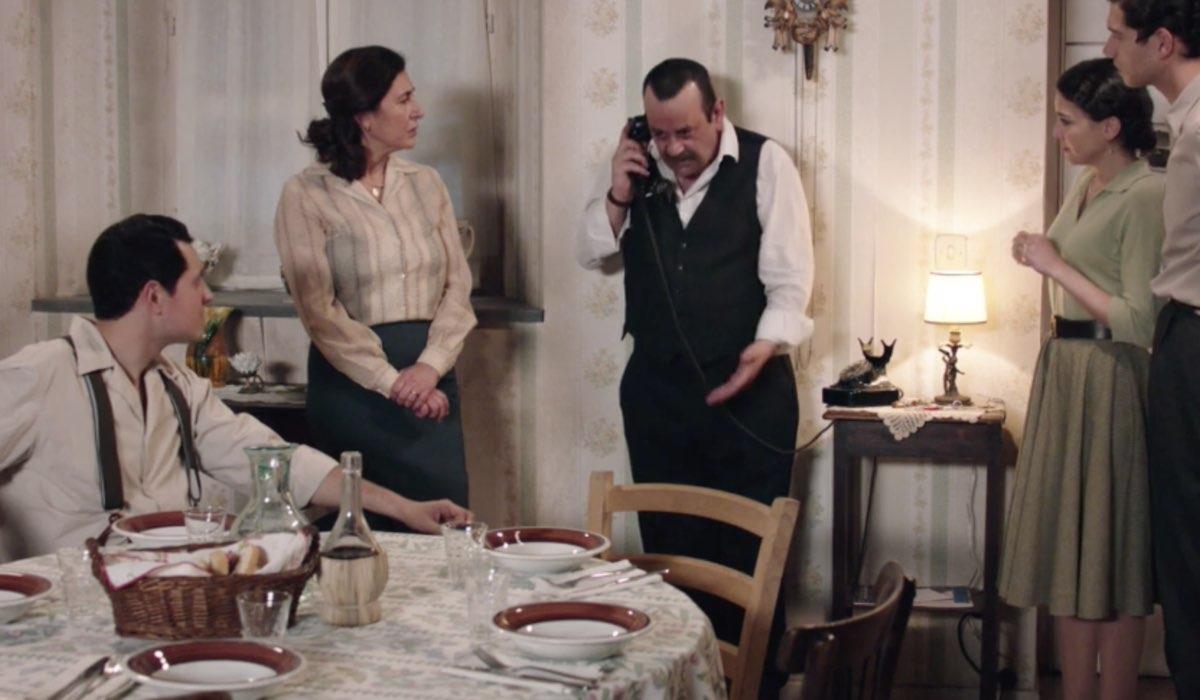 Il Paradiso Delle Signore 5, puntata 160: Salvatore, Agnese, Giuseppe, Maria e Rocco a Casa Amato. Credits: Rai
