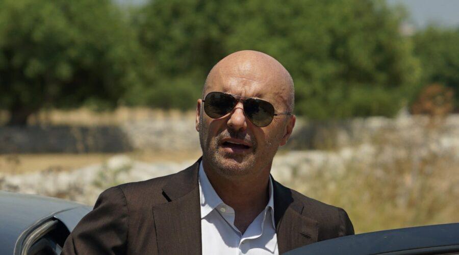 Luca Zingaretti interpreta Salvo Montalbano ne