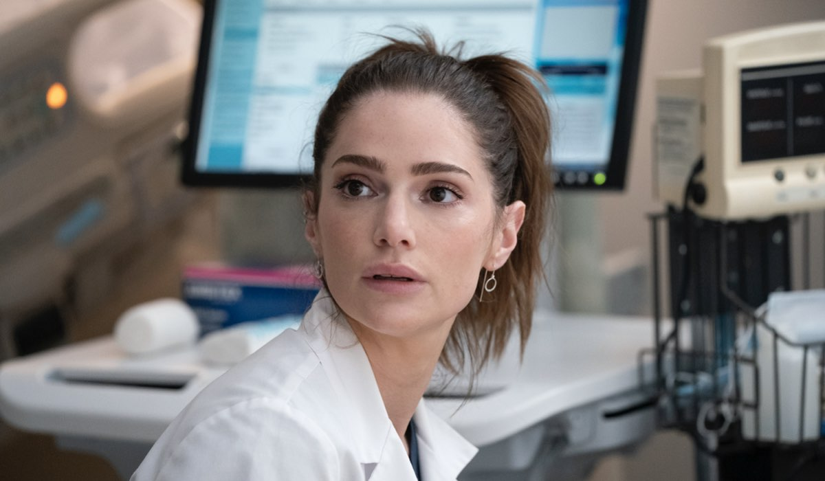 """La dottoressa Lauren Bloom (Janet Montgomery) in una scena di """"New Amsterdam 3"""". Credits: Mediaset."""