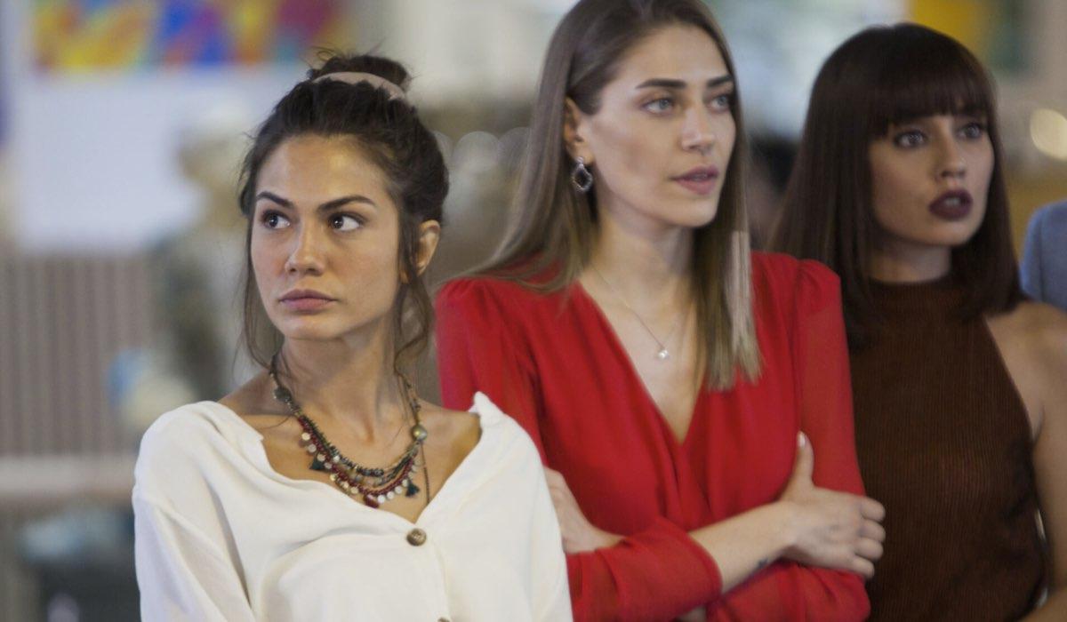 Sanem, Leyla, Dere ed Emre In Daydreamer Credits: Mediaset