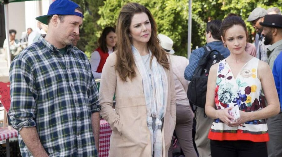 Scott Patterson, Lauren Graham E Alexis Bledel Nel Revival Di Una Mamma Per Amica. Credits: Netflix