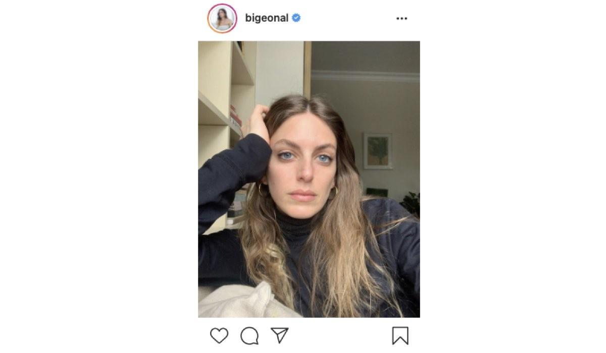 Screenshot Di Una Foto Di Bige Onal (Selin in Love Is In The Air) Condivisa Sul Suo Profilo Instagram Ufficiale