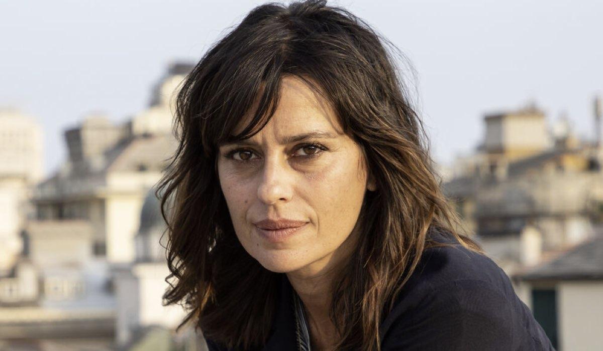 Claudia Pandolfi Interpreta Valeria in Masantonio Credits: Ufficio Stampa Mediaset
