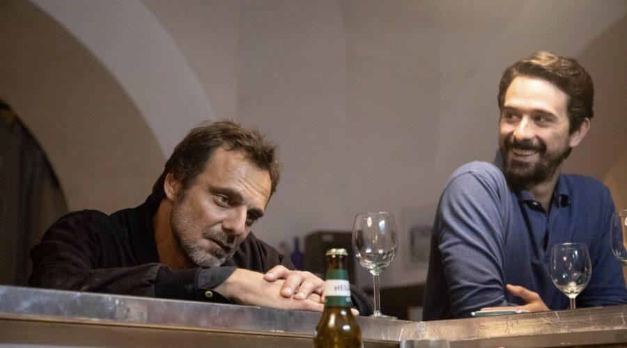 Alessandro Preziosi (Elio Masantonio) E Davide Iacopini (Sandro Riva) in Masantonio - Sezione scomparsi. Credits: Mediaset