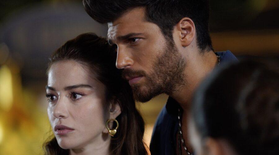 Ezgi (Özge Gürel) e Ozgur(Can Yaman) In Mr Wrong Credits: Mediaset
