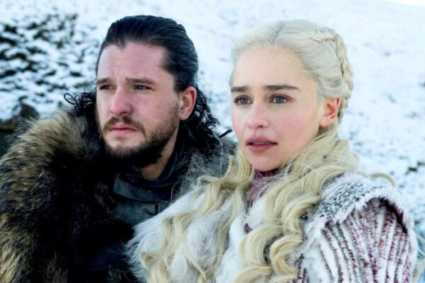 Kit Harington (Jon Snow) e Emilia Clarke (Daenerys Targaryen) in Game Of Thrones Serie TV. Credits: Sky E HBO