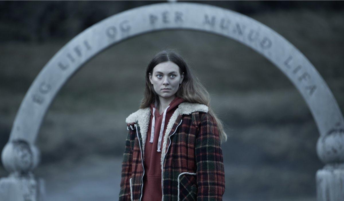 """Íris Tanja Flygenring nel ruolo di Ása in una scena di """"Katla"""". Credits: Lilja Jonsdottir/Netflix."""