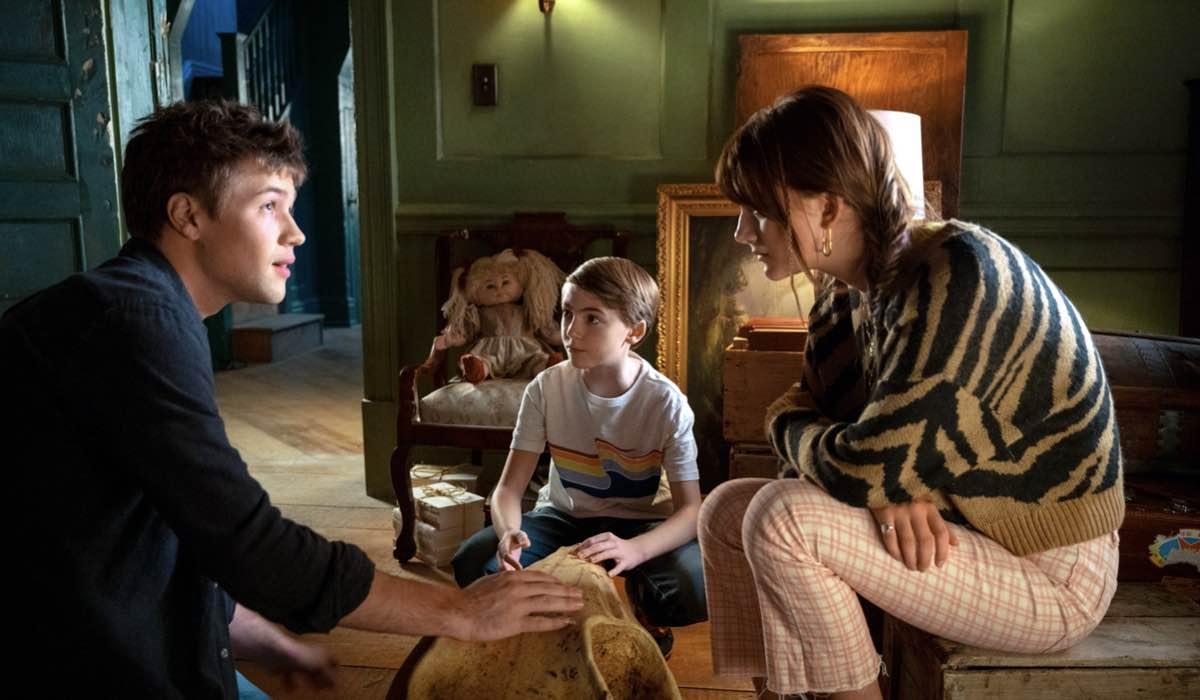 Locke E Key 2x01 Connor Jessup (Tyler), Jackson Robert Scott (Bode) E Emilia Jones (Kinsey). Credits: Amanda Matlovich/Netflix © 2021