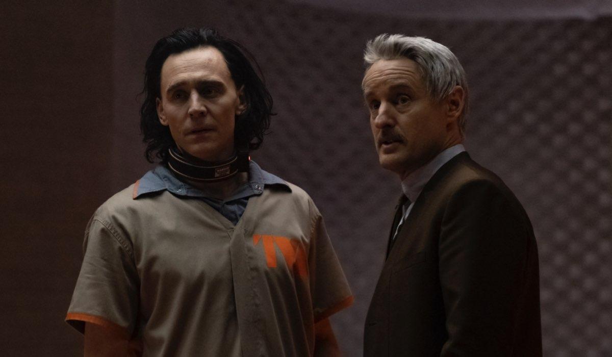 "Da sinistra: Tom Hiddleston e Owen Wilson in una scena di ""Loki"". Credits: Disney Plus/Marvel Studios."