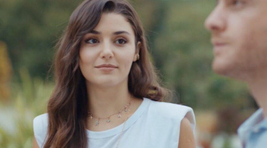 Love Is In The Air, episodio 18: Eda Yıldız interpretata da Hande Erçel e Serkan Bolat interpretato da Kerem Bürsin. Credits: Mediaset