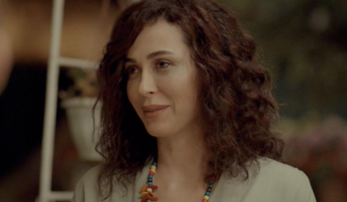Love Is In The Air, episodio 6: Ayfer Yıldız interpretata da Evrim Doğan. Credits: Mediaset