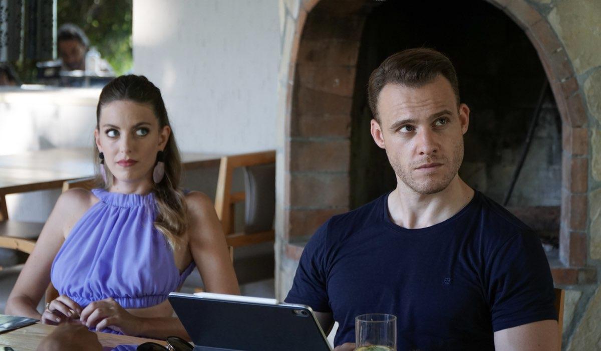 Love Is In The Air: Selin Atakan interpretata da Bige Önal e Serkan Bolat interpretato da Kerem Bürsin. Credits: Mediaset