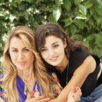 Love Is In The Air: Serkan Bolat interpretato da Kerem Bürsin, Melek Yücel interpretata da Elçin Afacan e Eda Yıldız interpretata da Hande Erçel. Credits: Mediaset