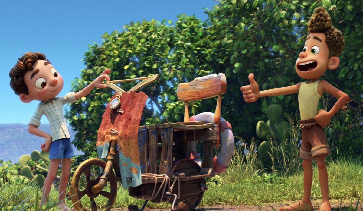 Luca e Alberto costruiscono una Vespa In Luca Credits: Disney Plus