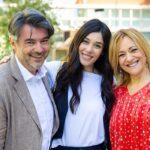 Michele (Alberto Rossi), Rossella (Giorgia Gianetiempo) e Silvia (Luisa Amatucci) In Un Posto Al Sole. Credits: Rai