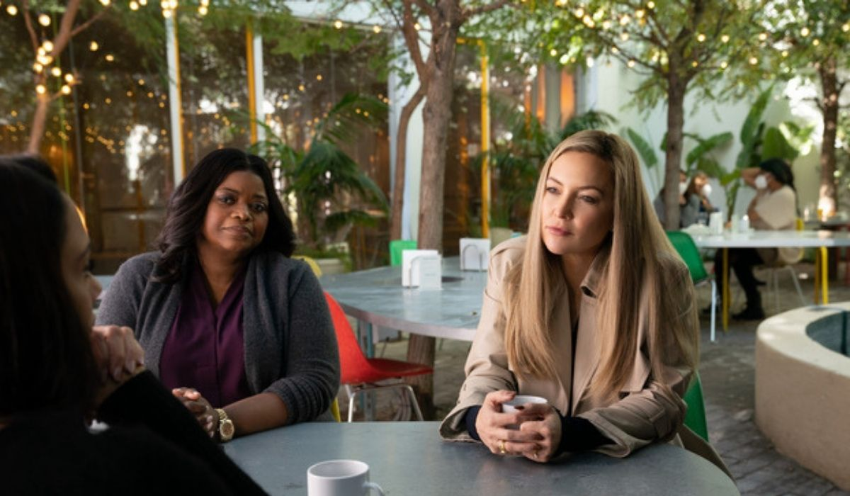 Octavia Spencer (Poppy) e Kate Hudson (Micah) In Truth Be Told Credits: Apple Tv Plus