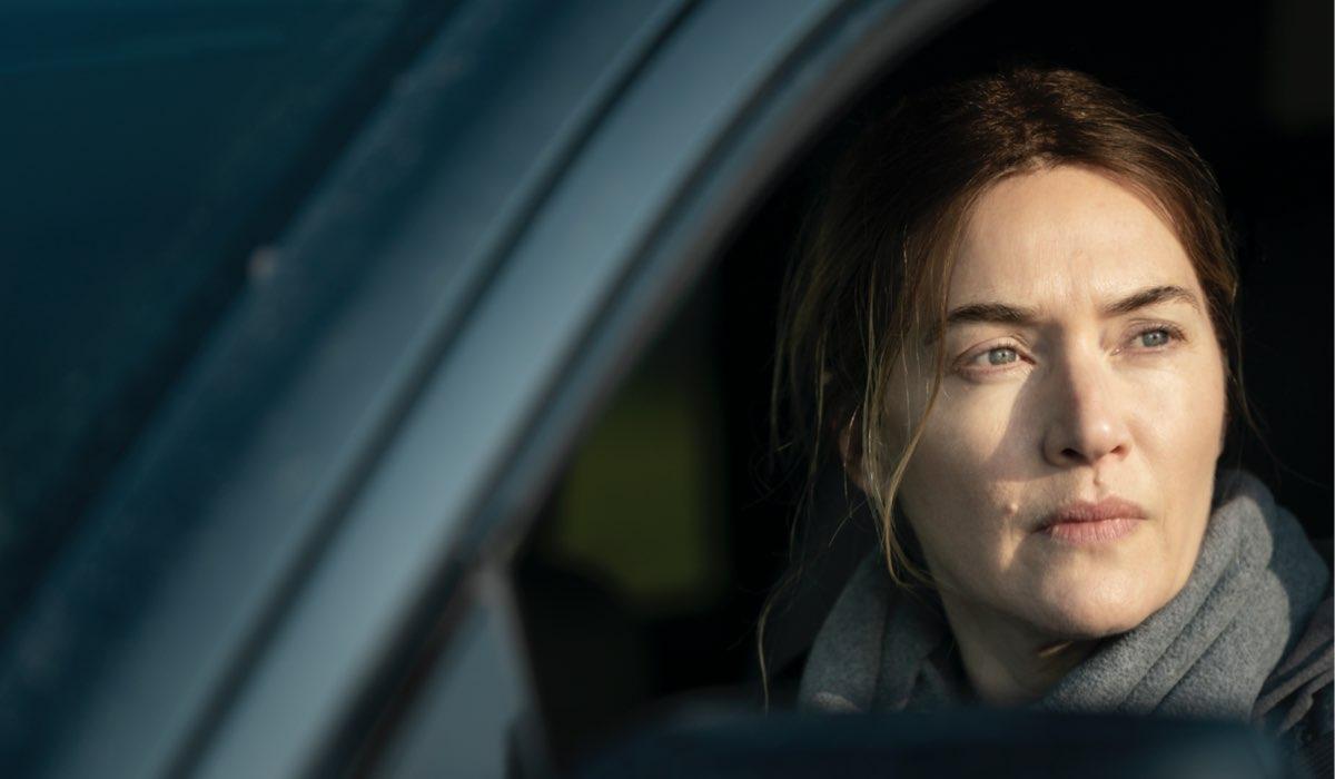 Omicidio a Easttown, qui una scena con Kate Winslet che interpreta Mare Sheehan. Credits: Sky