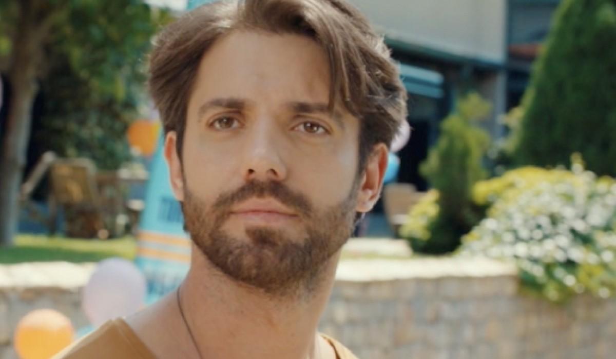 Ozan In Mr Wrong Credits: Mediaset