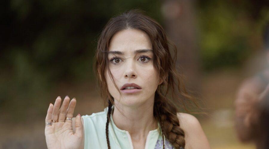 Ozge Gurel Interpreta Ezgi in Mr Wrong Credits: Mediaset