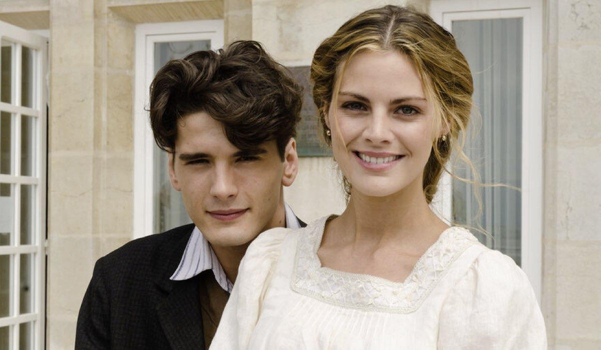 Yon Gonzalez (Julio) e Amaia Salamanca (Alicia) In Grand Hotel Credits: Mediaset