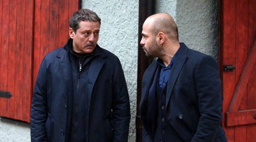 Brave and Beautiful: Salih (Okday Korunan) e Korhan (Erkan Avci). Credits: Mediaset.