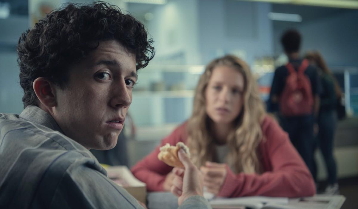 """Moritz (Maximilian Mundt) in una scena della terza stagione di """"Come vendere droga online (in fretta)"""". Credits: Bernd Spauke/Netflix."""