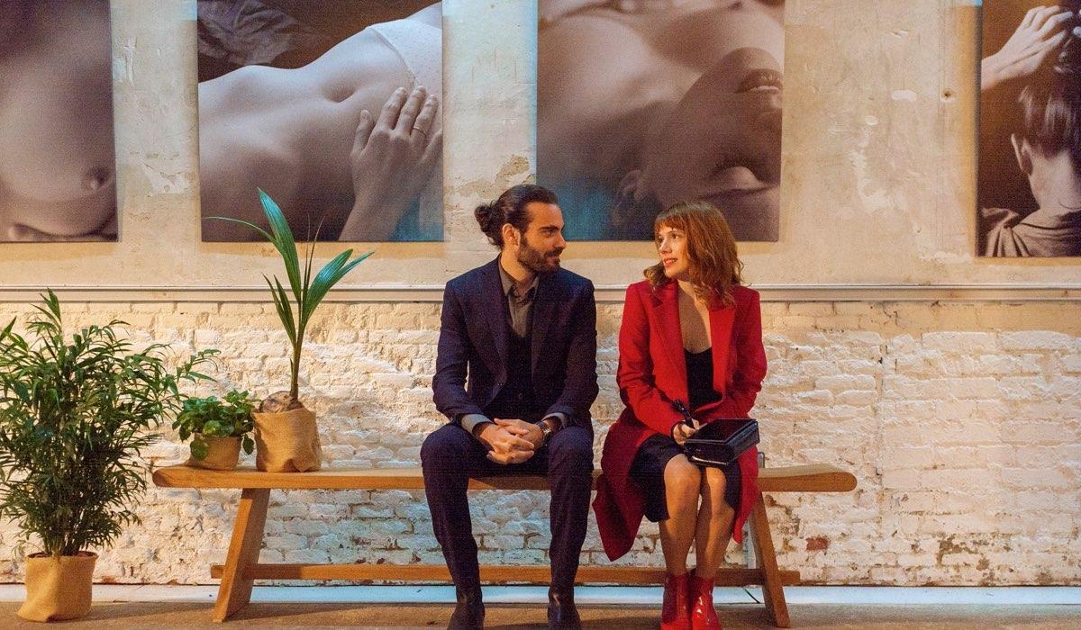 Ibrahim Al Shami (Adrian) e Diana Gomez (Valeria) In Valeria 2 Credits: Felipe Hernandez/Netflix